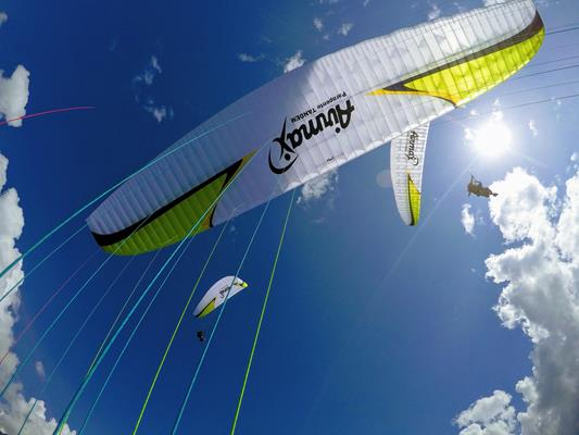 Annecy paragliding tandem – thermal flight  - Photo 1